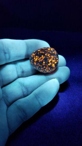 Very Bright Beautiful Yooper Stone Yooperlite Lake Superior Glowing Rock 0.8oz