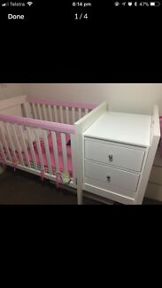 Baby cot and change table/draws
