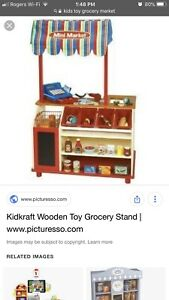 LOOKING FOR kids market/grocery stand.