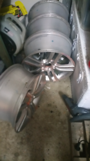 Wanted: 5 stud , I8inch rims **MAKE AN OFFER**