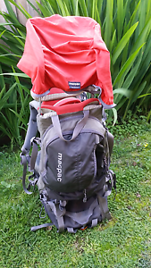 Macpac vamoose child carrier backpack Bentleigh Glen Eira Area Preview