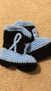 Toddler soft knit boots (size 2-4)