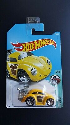 Hot Wheels Volkswagen Beetle Tooned 2016 Yellow Long Card