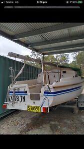 Trailer sailer Careel 22L cruising Yacht