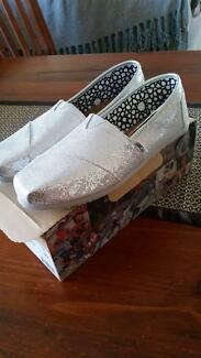 TOMS Classic Silver Glitter Womens Shoe Size 10 (UK8) Wonthella Geraldton City Preview
