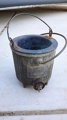 Antique Sta-warm Heated Dispensing Melt Pot