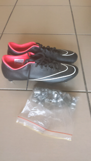 Nike Mercurial boots US10