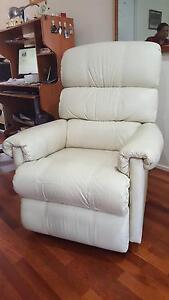 2 beige recliner chairs Cherrybrook Hornsby Area Preview