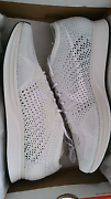 Flyknit Racer Triple White 10US DS Pasadena Mitcham Area Preview