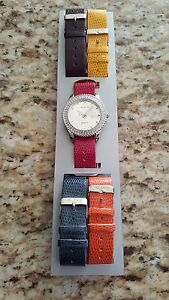 Watches with interchangeable bracelets