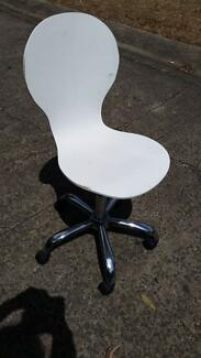 WHITE TIMBER OFFICE COMPUTER CHAIR*HEIGHT ADJUSTABLE*DESK*STUDY