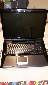 ASUS gaming Laptop G71GX-RX05 Intel Core 2 Duo P8700(2.53 GHz) 6gb ram no HDD/OS