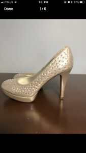 High heels, never worn, great for prom or wedding!