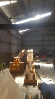 210lc Hyundai  long reach boom