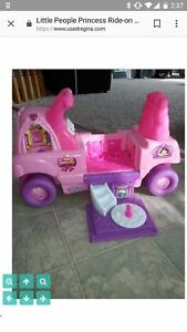 Ride on car Little People excellent condition