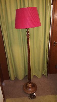 Alte Stehlampe - ca. 80 Jahre alt - voll funktionsfähig! (SELBSTABHOLUNG!)