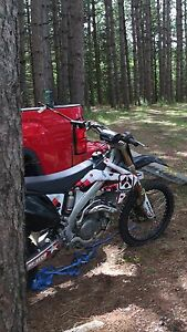 2005 Honda crf450 Kawartha Lakes Peterborough Area image 2