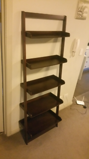 Shelf - ladder style with 5 tiers