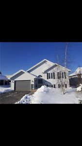 $329,800 Renfrew new listing won't last! Easy commute to city!