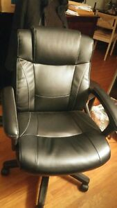 Real leather Office Chair Recliner for sale -LIKE NEW