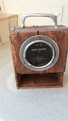 VINTAGE SMITHS INDUSTRIAL INSTRUMENTS - HOURS COUNTER ISC 38- AIRCRAFT ?