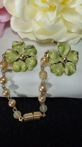 Vintage Gold Estate Green Flower Enamel Pearl Sweater Guard Pin
