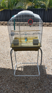 Bird Cage on a stand with all accessories vgc