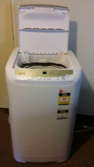Singer washing machine.  Mount Druitt Blacktown Area Preview