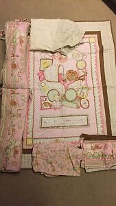 Girls crib bedding and mobile
