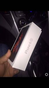 Apple iPhone 6s 32gb rogers almost brand new