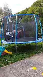 Trampoline with enclosure ( 3 months old) Reservoir Darebin Area Preview