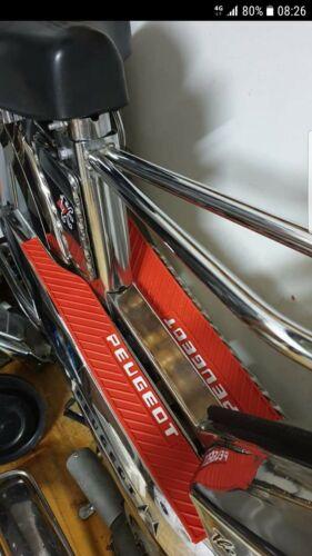 Tapis caoutchouc Mobylette Peugeot 103 sp mvl uniquement en rouge