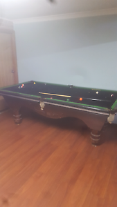 Old pool table very old and heavey Fairfield West Fairfield Area Preview