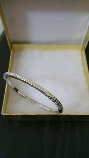 Beautiful 18 Carat White Gold Diamond Bangle Sydney City Inner Sydney Preview
