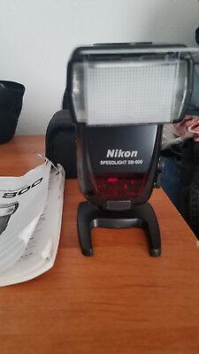 Nikon Speedlight SB-800  Flash with Nikon Case, Defuser cap, Manual, Remote Base