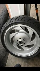 Suzuki boulevard m109r tires and rims