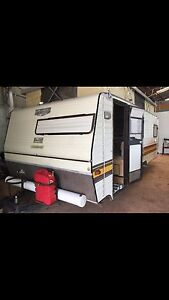 Mid/late 90's Roma Single Axle Pop Top Caravan Girraween Litchfield Area Preview