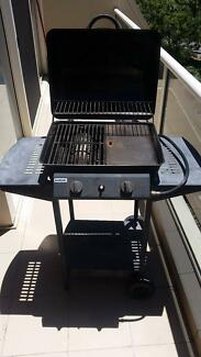 BBQ 2 burner Jumbuck with hood