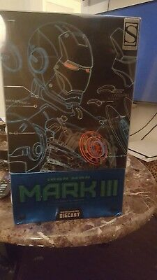 Hot Toys Iron Man 3 Tank Mark XXIV 1/6th scale Action Figure