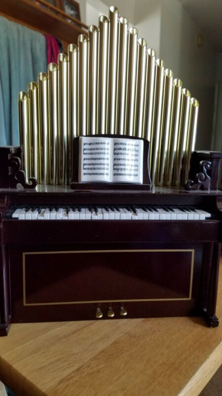 Gold label Mr. Christmas holiday organ inspirational Music Playing Plug In