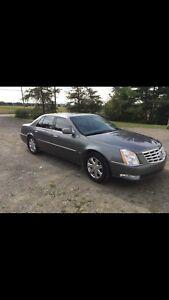 Cadillac DTS 2007 5000$ Négociable