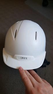 Dublin onyx size 53 helmet