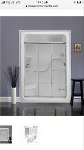 Brand new Mirolin shower doors TD52