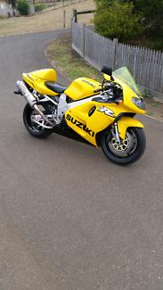 Suzuki tl1000r vtwin tlr1000 road bike
