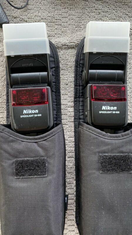2 Nikon SB-600 Speed Light