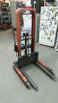 Presto 1500 Lb Load 47 Lift Manual Hydraulic Stacker W Forks M852