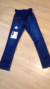 New with tags xs maternity jeans