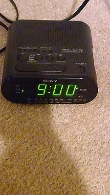 Sony Dream Machine Alarm Clock Radio ICF-C218 FM/AM Power Back Up Green LED †