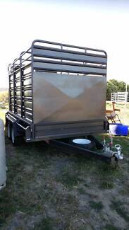 3 months old 10 x 6 Deluxe Stock Crate Tandem Trailer