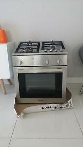 60cm x 60cm gas top and electric oven combo Greenacre Bankstown Area Preview
